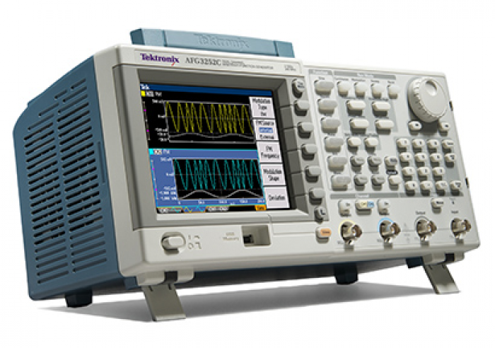 Tektronix AFG3021C (front1)